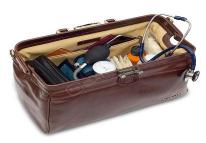 https://www.sourcingwise.com/wp-content/uploads/2021/01/7-Doctors-Handbag.png