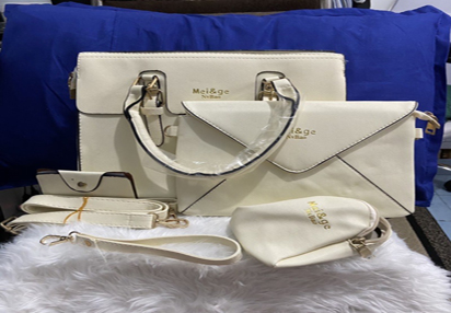https://www.sourcingwise.com/wp-content/uploads/2021/01/c-BAGS-SHIPPING-FROM-CHINA.jpg