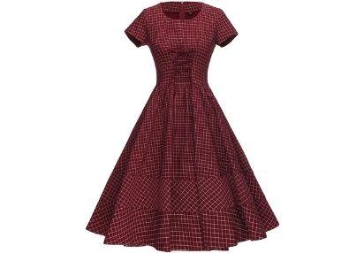 https://www.sourcingwise.com/wp-content/uploads/2021/02/Vintage-Clothes-.jpg