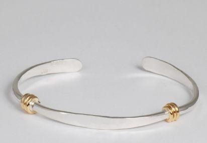 https://www.sourcingwise.com/wp-content/uploads/2021/02/Wholesale-Metal-Jewelry.jpg