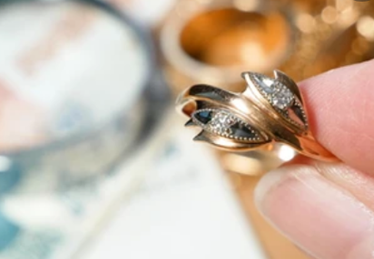 https://www.sourcingwise.com/wp-content/uploads/2021/09/jewelry-inspection.png